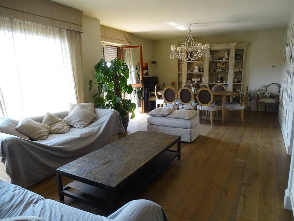 Appartamento in vendita a Segrate, 5 locali, prezzo € 950.000 | PortaleAgenzieImmobiliari.it