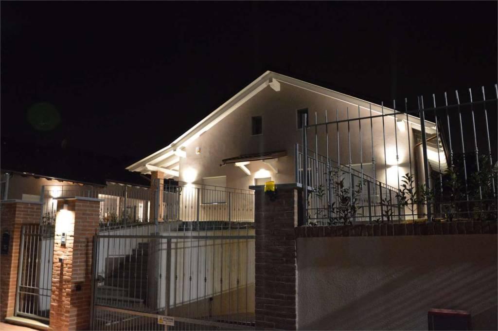 Foto 1 di Villa via Borgarello, Cambiano