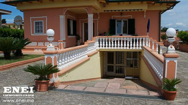 Villa in vendita a Nettuno, 6 locali, prezzo € 350.000 | CambioCasa.it