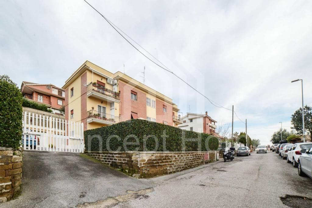 Appartamento in vendita a Roma, 3 locali, zona Zona: 37 . Morena - Ciampino - Trigoria - Falcognana, prezzo € 245.000 | CambioCasa.it