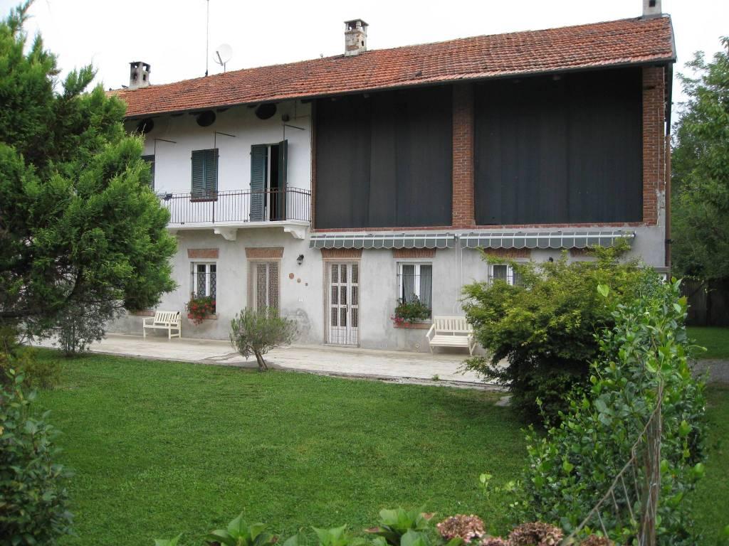 Soluzione Indipendente in vendita a Caluso, 5 locali, prezzo € 175.000 | CambioCasa.it