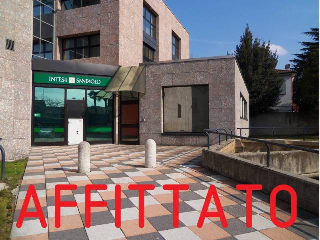 Ufficio / Studio in affitto a Cermenate, 6 locali, prezzo € 650 | CambioCasa.it
