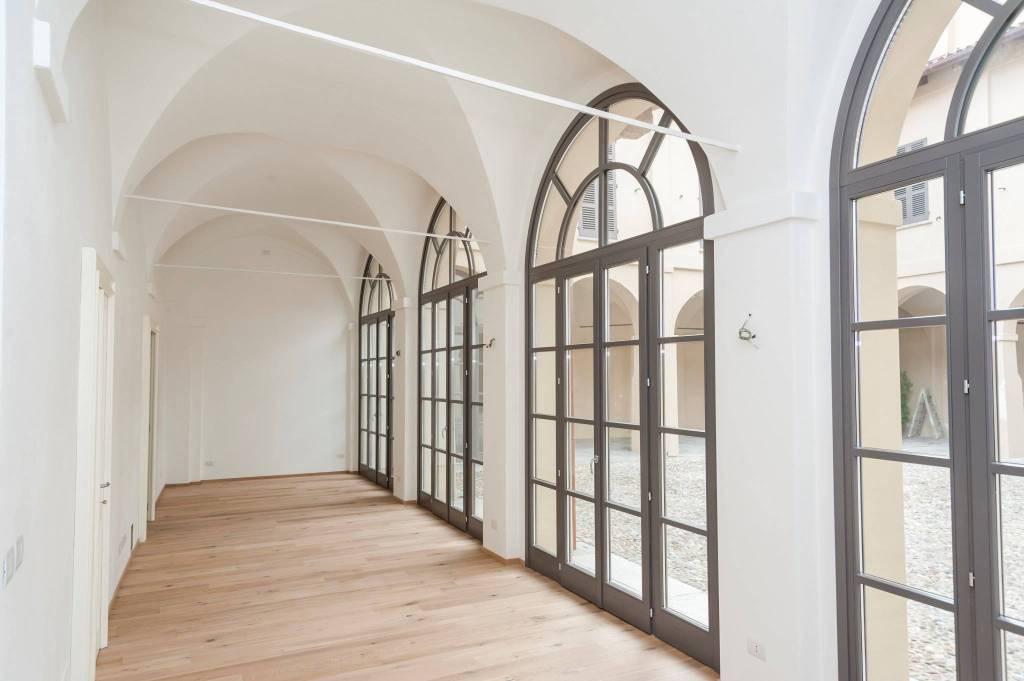 Ufficio / Studio in affitto a Chieri, 5 locali, prezzo € 1.300 | CambioCasa.it