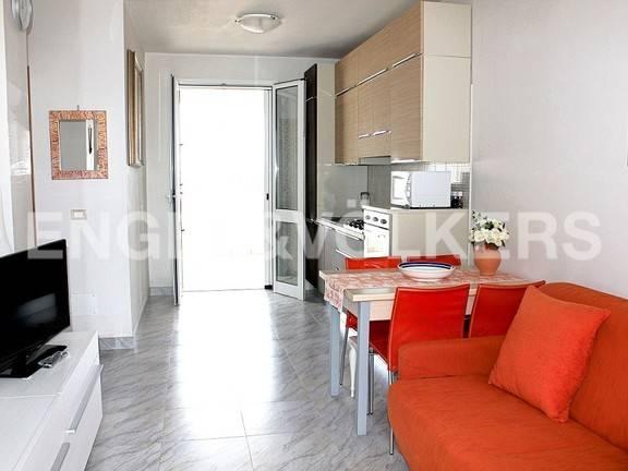 Appartamento in buone condizioni in vendita Rif. 7553183