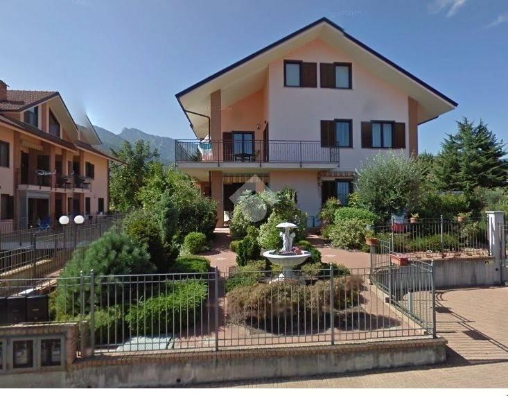 Appartamento in ottime condizioni in vendita Rif. 9181069