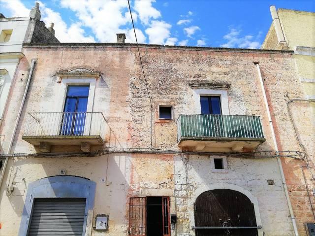 Appartamento da ristrutturare in vendita Rif. 6685939