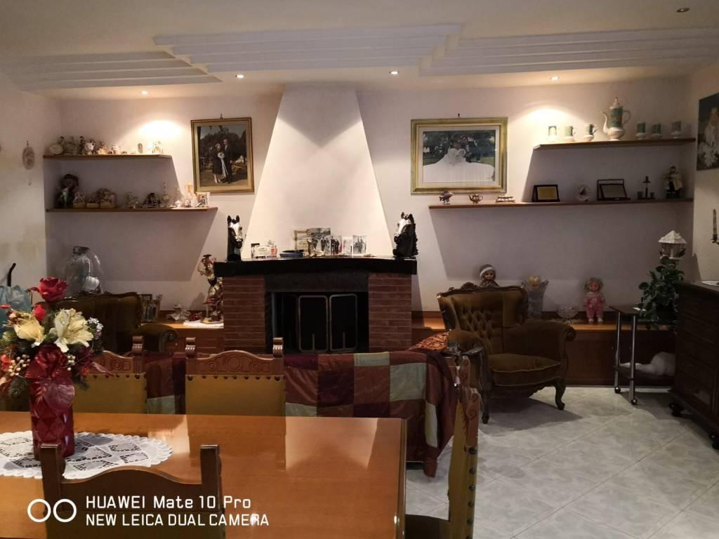 Appartamento in affitto a San Sebastiano al Vesuvio, 5 locali, prezzo € 900 | CambioCasa.it
