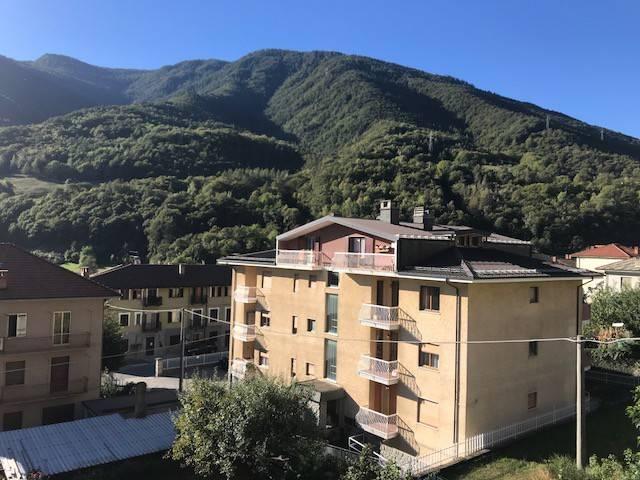 Foto 1 di Bilocale via Carlo Alberto 55, Pomaretto