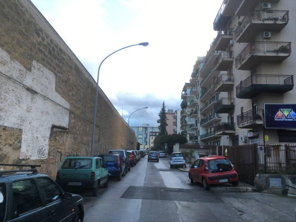 Appartamento in Vendita a Palermo Semicentro: 5 locali, 146 mq