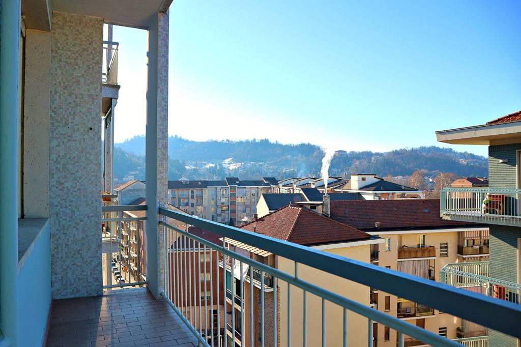 Foto 1 di Bilocale via Oropa 116, Torino (zona Vanchiglia, Regio Parco)