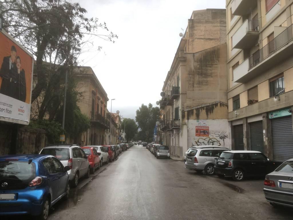 Magazzino in Affitto a Palermo Centro: 1 locali, 55 mq