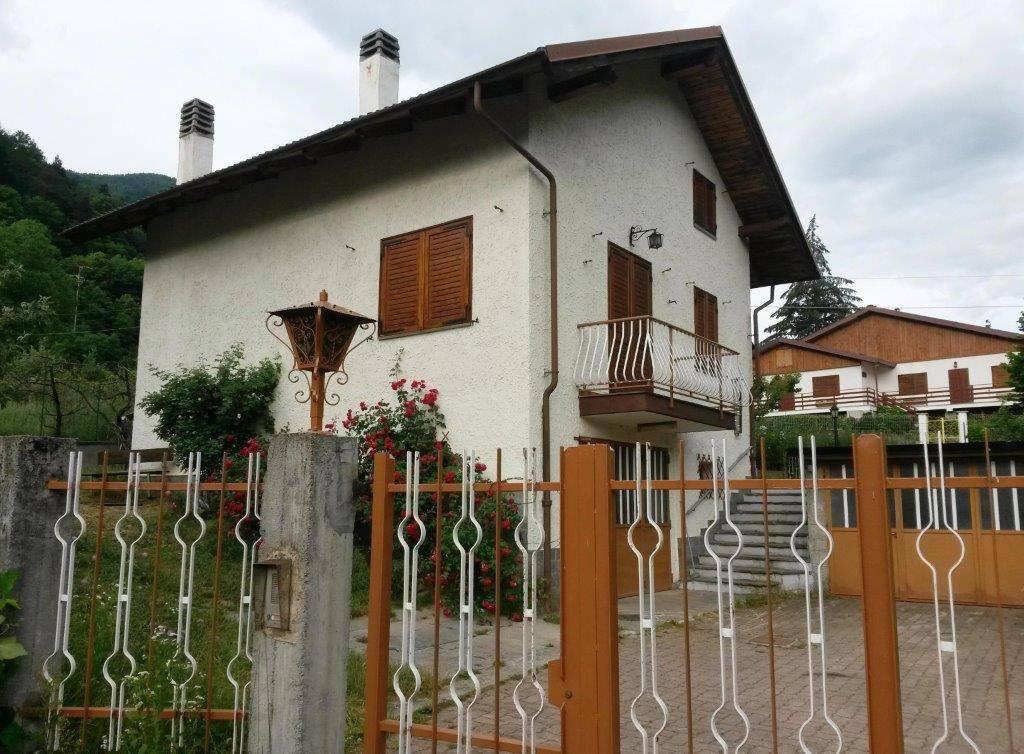 Foto 1 di Villa via Antica di Francia 10, Chiomonte