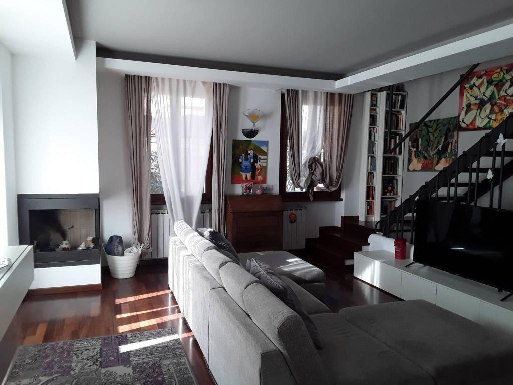 Villa a Schiera in vendita a Volta Mantovana, 5 locali, prezzo € 270.000 | CambioCasa.it