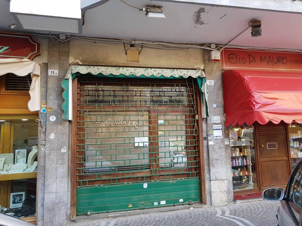 Negozio / Locale in affitto a Portici, 1 locali, prezzo € 500 | CambioCasa.it
