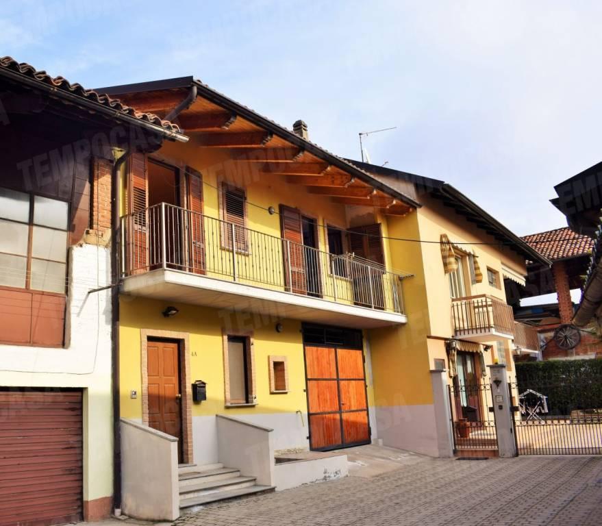Foto 1 di Casa indipendente via Ivrea, Oglianico