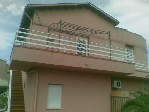 Appartamento in buone condizioni arredato in affitto Rif. 8644965