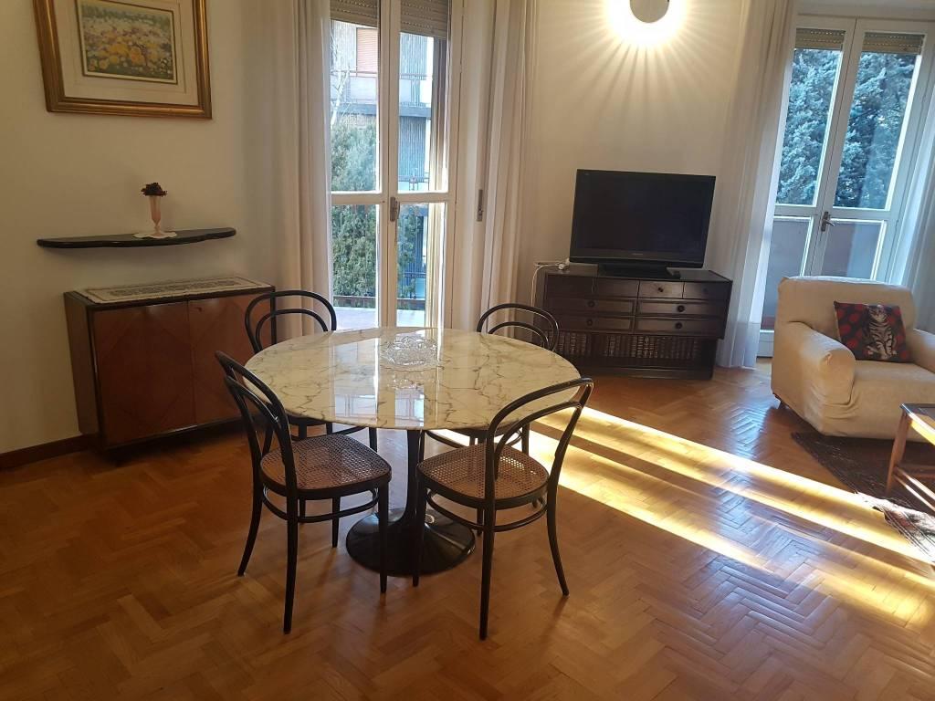 Appartamento in ottime condizioni arredato in affitto Rif. 8523185