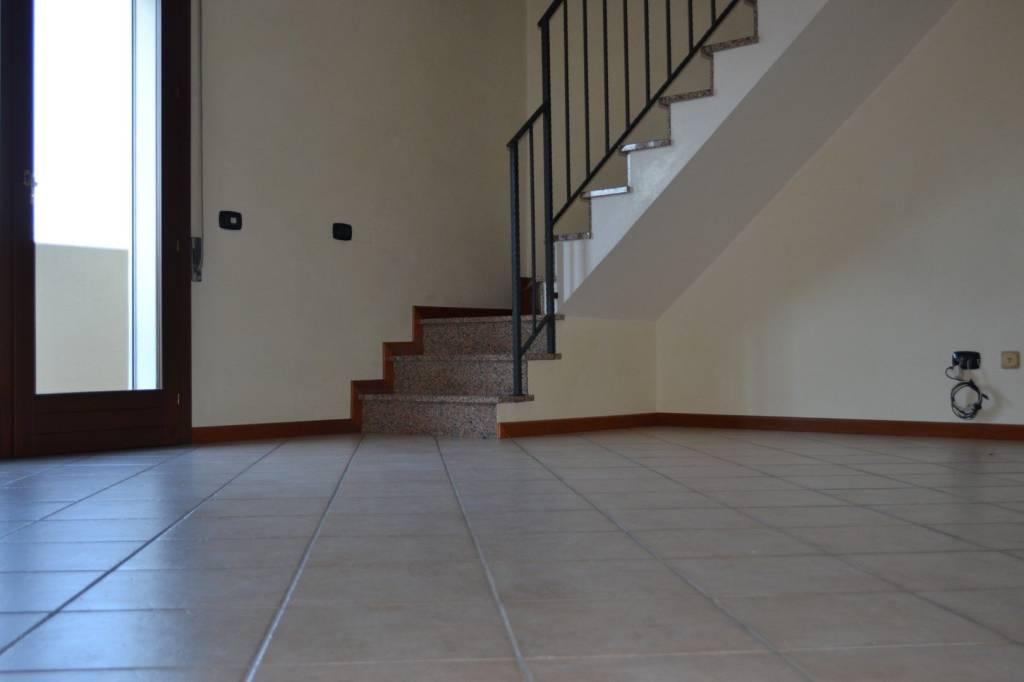 Appartamento in buone condizioni in vendita Rif. 6948865