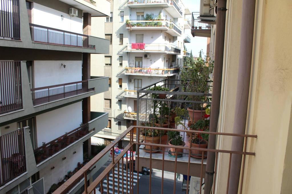 Appartamento in buone condizioni in vendita Rif. 9468269