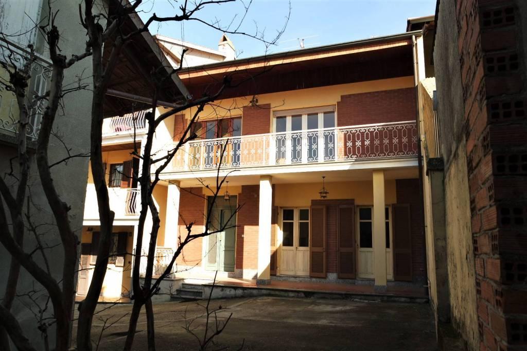 Casa Indipendente in buone condizioni in vendita Rif. 8975284