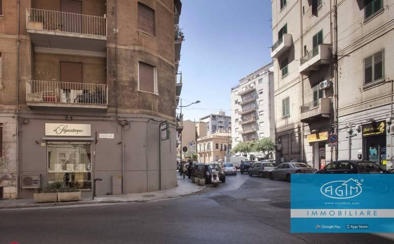Appartamento in Vendita a Palermo Centro: 5 locali, 160 mq