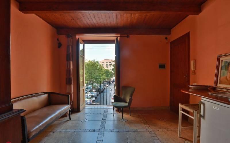 Appartamento in Vendita a Palermo Centro: 2 locali, 76 mq