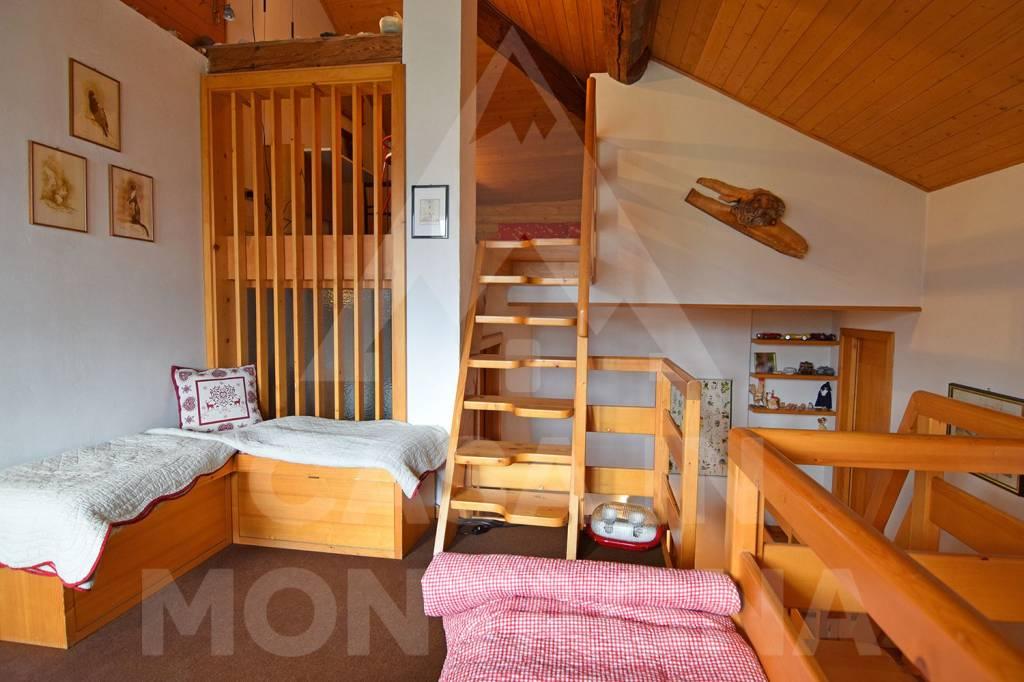 Appartamento in buone condizioni arredato in vendita Rif. 5002436