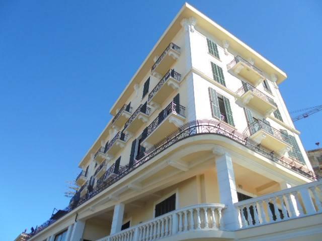 Appartamento in affitto a Bordighera, 26 locali, prezzo € 1.500 | PortaleAgenzieImmobiliari.it