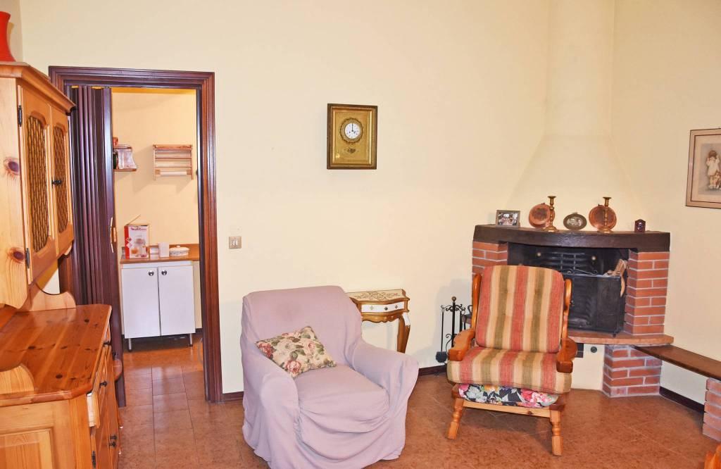 Villa in vendita a Rodigo, 6 locali, prezzo € 170.000 | CambioCasa.it