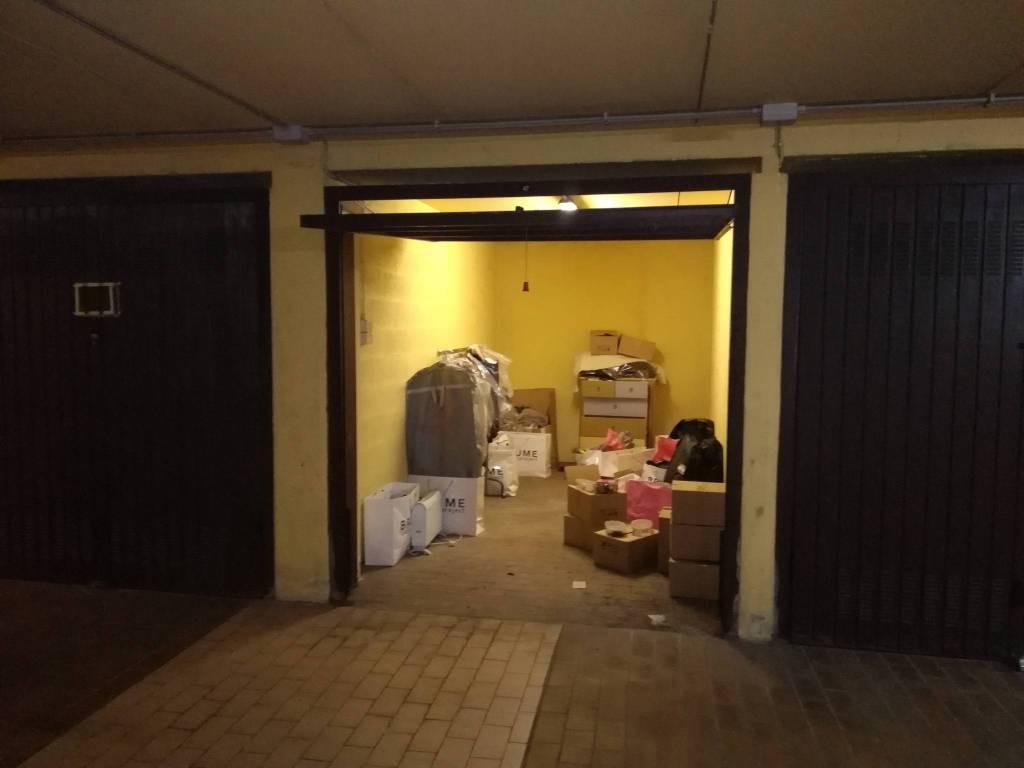Foto 1 di Box / Garage via La Thuile 16, Torino (zona Parella, Pozzo Strada)