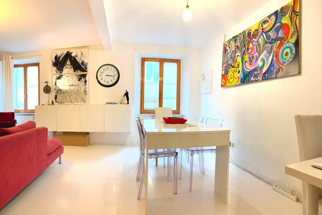 Appartamento in ottime condizioni parzialmente arredato in vendita Rif. 6807424