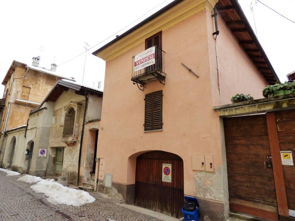 Centro Storico: casa indipendente con coppia di bilocali via Santa Croce 28