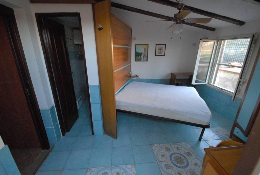 Villa in buone condizioni parzialmente arredato in vendita Rif. 7931210