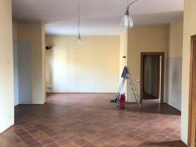 Appartamento in buone condizioni in affitto Rif. 4425503