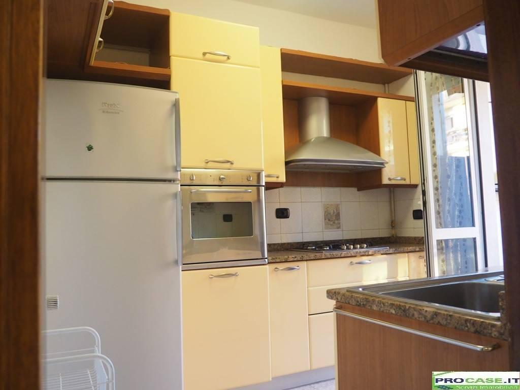 Appartamento in affitto a Saronno, 1 locali, prezzo € 420 | CambioCasa.it