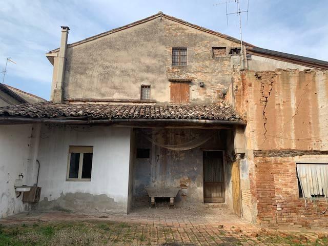 Villa in vendita a Ostiano, 7 locali, prezzo € 45.000   PortaleAgenzieImmobiliari.it