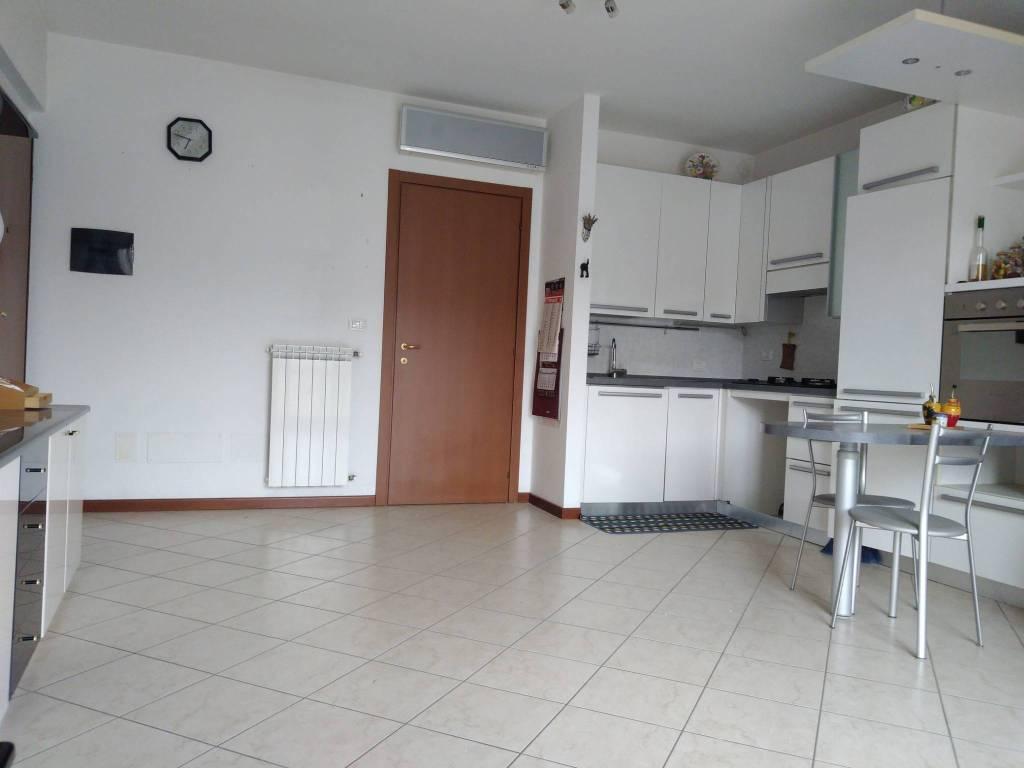 Appartamento in vendita a Casteggio, 2 locali, prezzo € 69.000 | CambioCasa.it