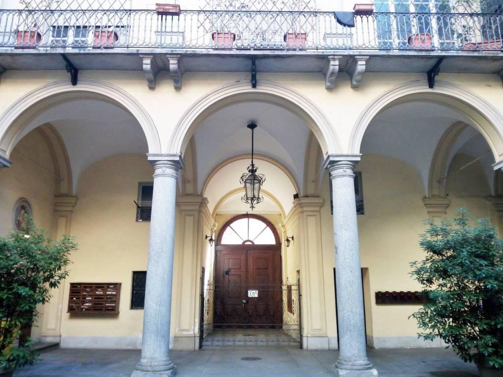 Foto 1 di Quadrilocale via della Consolata 5, Torino (zona Centro)