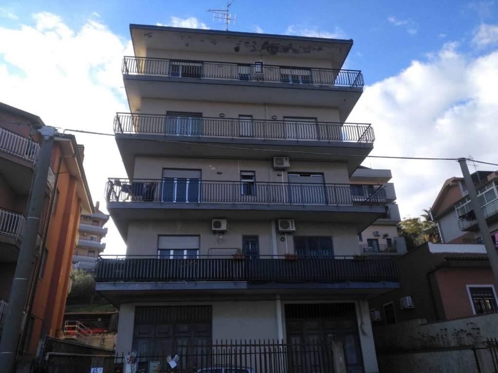 Appartamento in Vendita a Motta Sant'Anastasia Centro: 4 locali, 120 mq