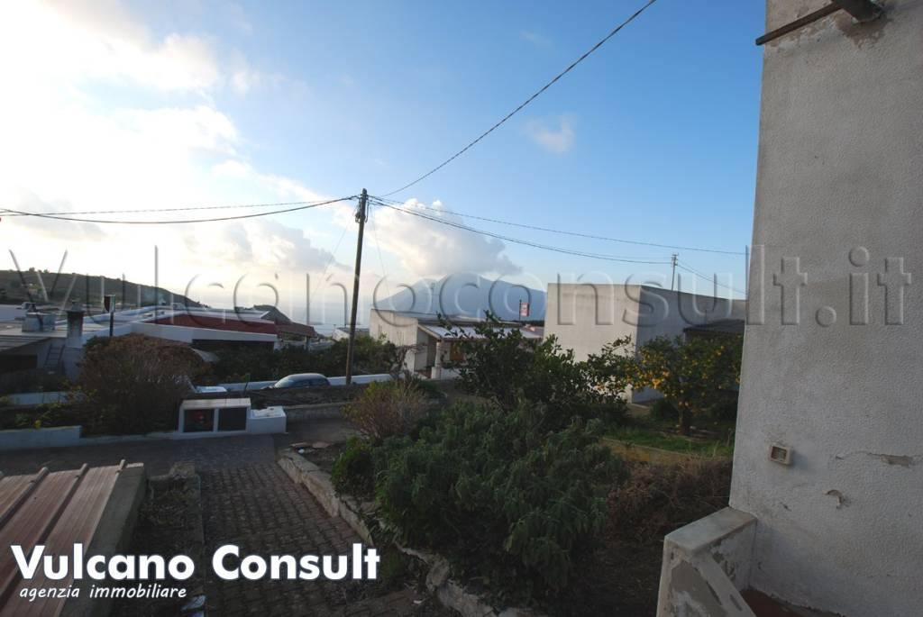 Appartamento in vendita a Lipari, 5 locali, prezzo € 150.000 | PortaleAgenzieImmobiliari.it