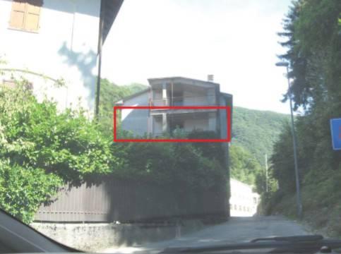 Appartamento in vendita a Canzo, 3 locali, prezzo € 53.250 | CambioCasa.it