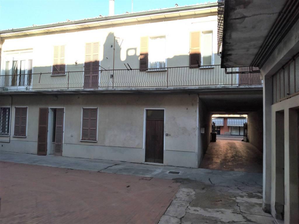 Palazzo / Stabile in vendita a Casteggio, 5 locali, prezzo € 69.000 | CambioCasa.it