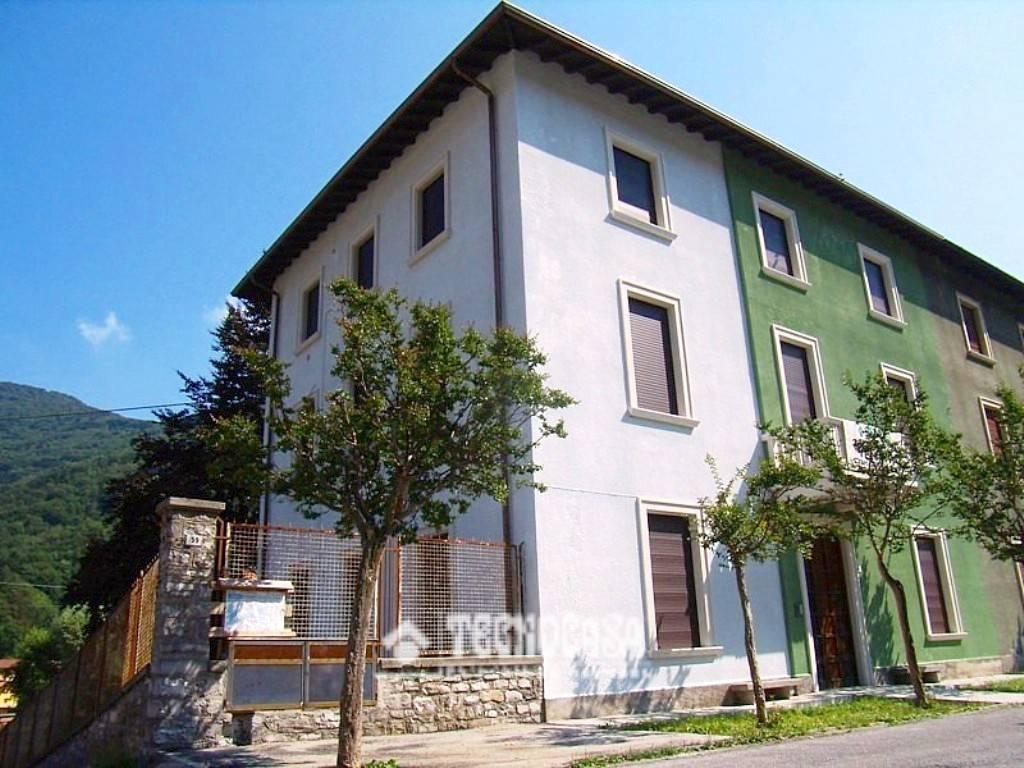 Appartamento in ottime condizioni in vendita Rif. 9149562