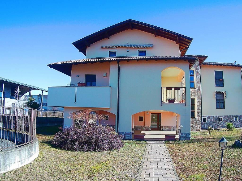Appartamento in ottime condizioni in vendita Rif. 7925666