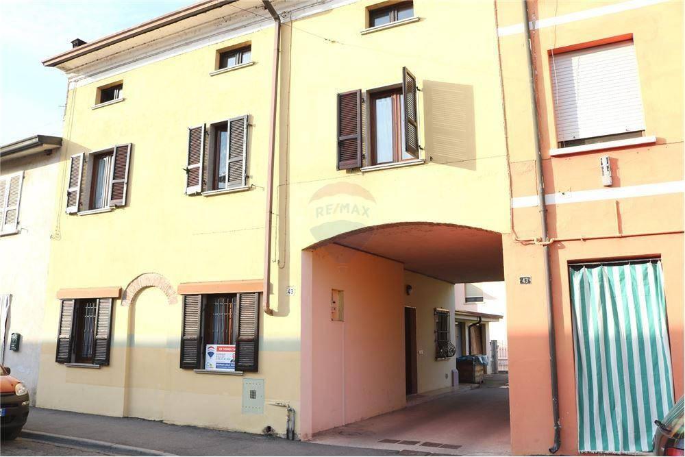 Appartamento in vendita a Remedello, 7 locali, prezzo € 105.000 | PortaleAgenzieImmobiliari.it