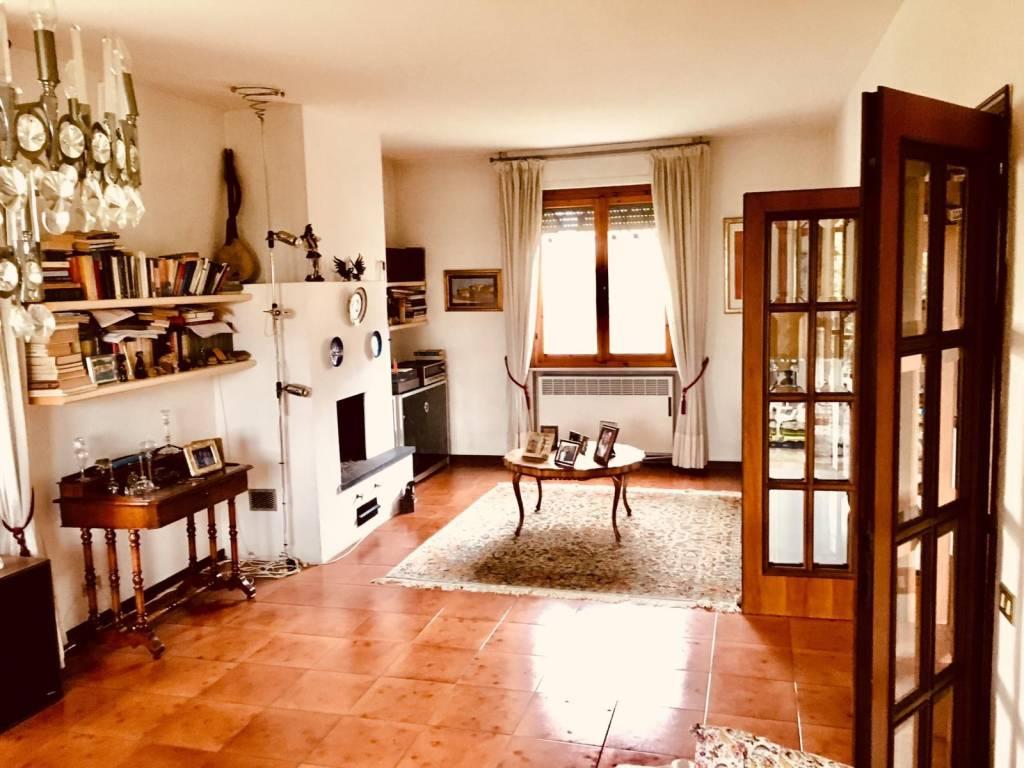 Casa indipendente in Vendita a Pisa Periferia Ovest: 5 locali, 150 mq