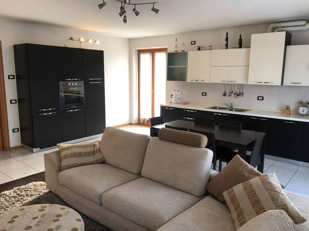 Appartamento in ottime condizioni arredato in vendita Rif. 5561313