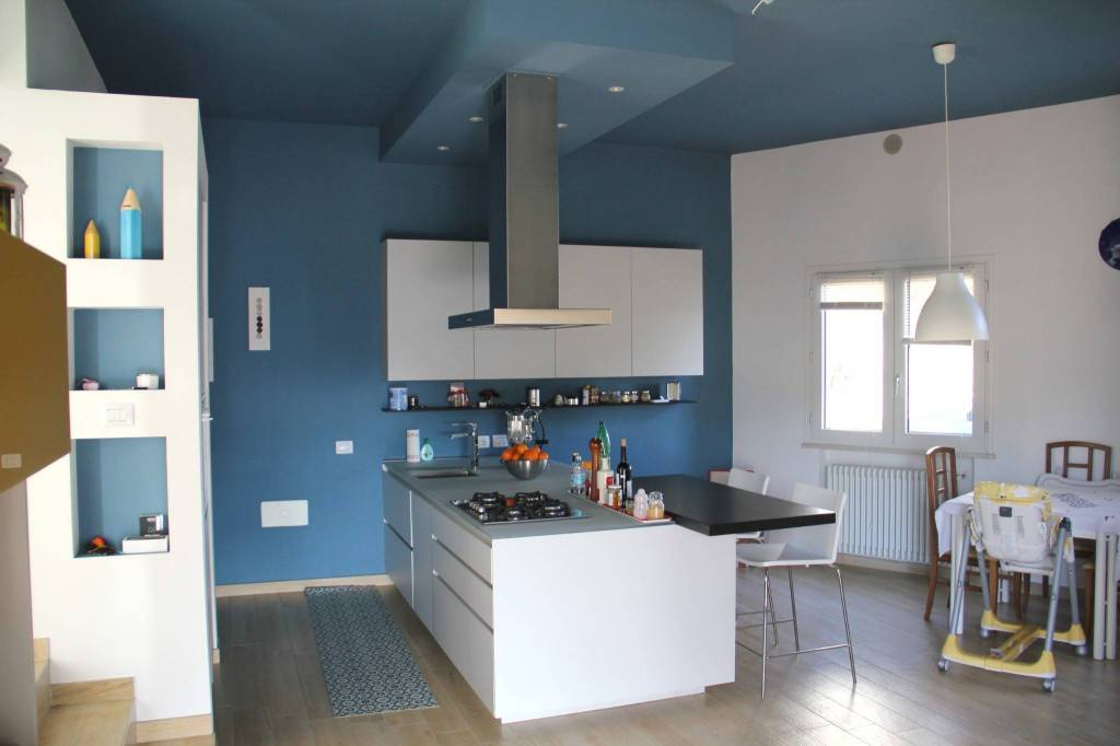 Villa in Vendita a Roncofreddo Periferia: 5 locali, 327 mq