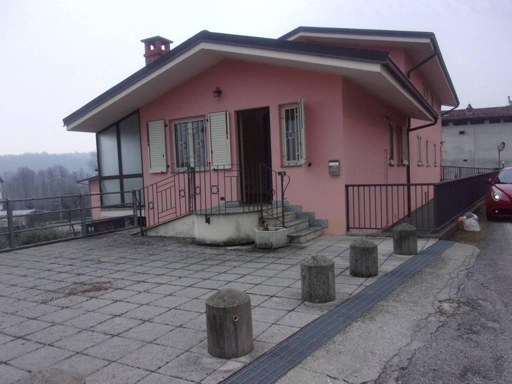 Foto 1 di Bilocale via enzo migliore, Ivrea
