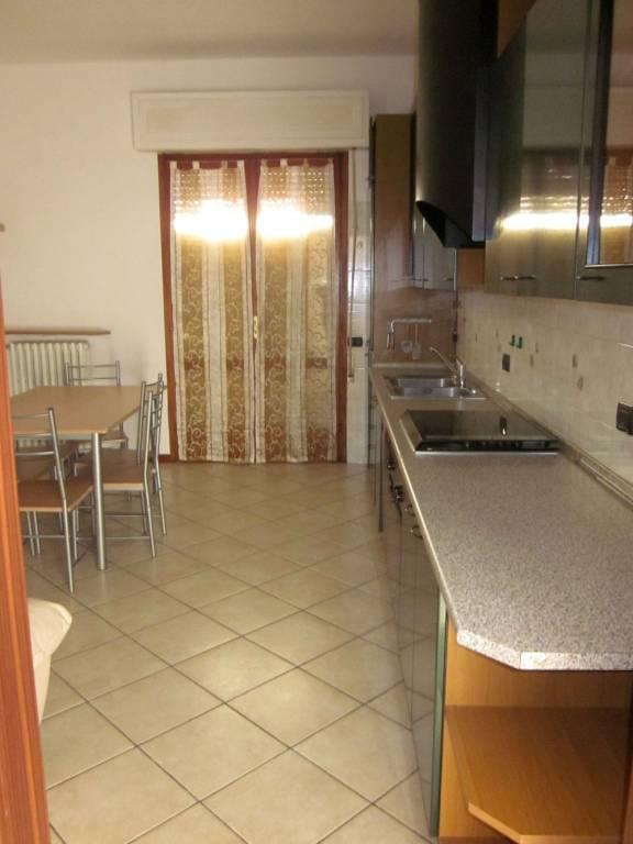 Appartamento in affitto a Buguggiate, 1 locali, prezzo € 420 | CambioCasa.it